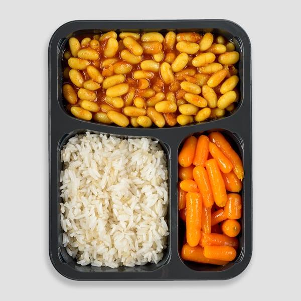 שעועית לבנה ברוטב עם אורז וגזר גמדי